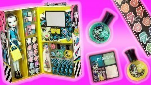 'MONSTER HIGH BEAUTY CASE FASHION DOLL Unboxing & Review - Costco Exclusive'