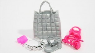 'Barbie Accessories Loot - Flat Footed'