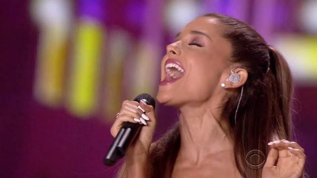 Ariana Grande   Medley Victoria's Secret Fashion Show