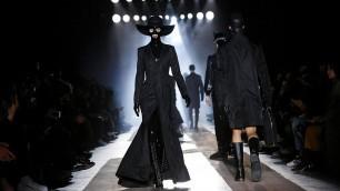 'Moschino   Pre-Fall 2018 + Fall Winter 2018/2019 Full Fashion Show   Menswear'
