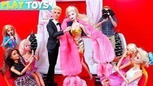 'Play Barbie Dolls Fashion Glam Dress Show Toys!'