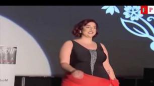 'Plus Size Hot Topic fashion show beautiful model on catwalk - Top Popular'
