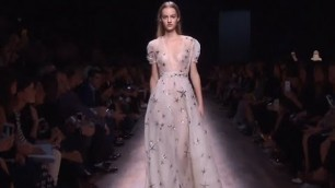 'VALENTINO WOMEN\'S FASHION SHOW COLLECTION - SPRING SUMMER 2015   FULL SHOW'