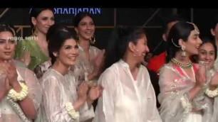 'Best Pakistan Fashion Week 2019 Day 1   Zara Shahjahan  collection #PSFW19'