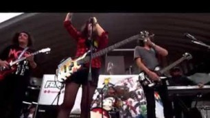 """'Cheers for the Dying - \""""It\'s Not a Fashion Statement, It\'s a Deathwish\"""" [En Vivo]'"""
